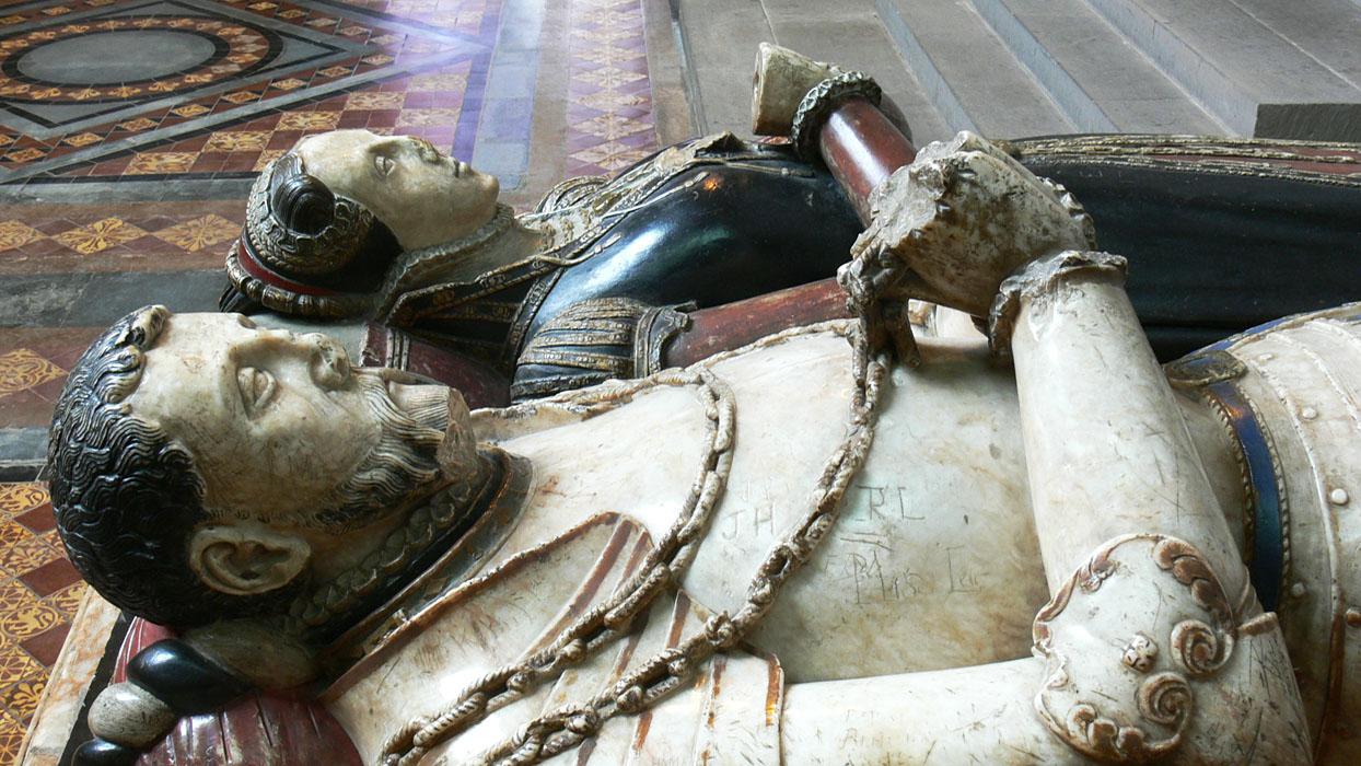 1566 - Elizabethan Denton monument