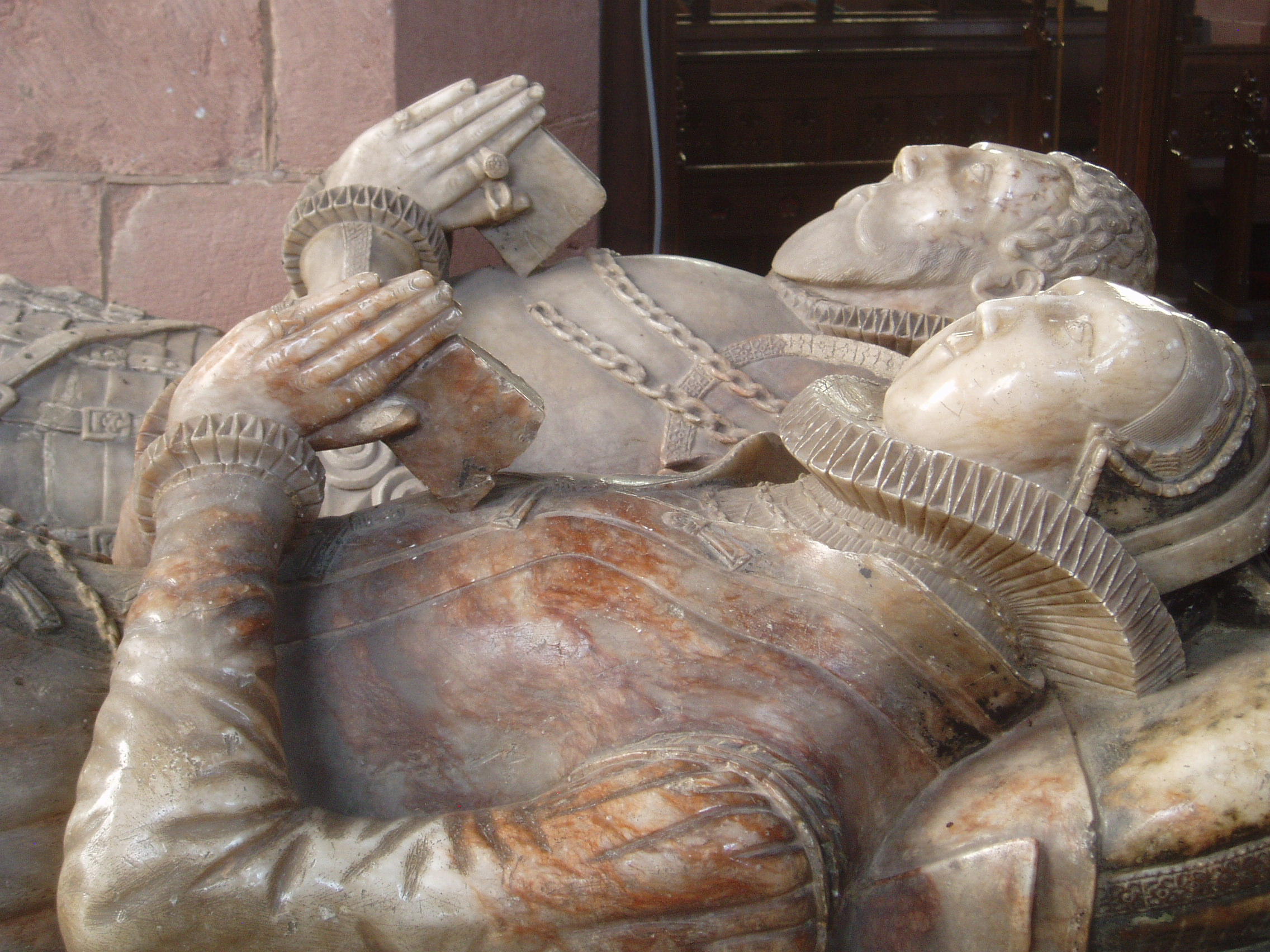 1580 - Fielding tomb - St Edith's at Monk's Kirby
