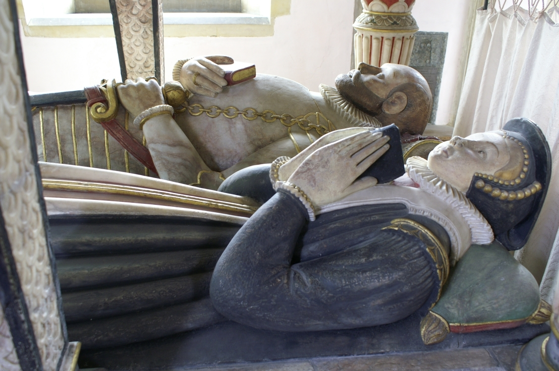 1582 - The effigies of Sir Thomas St Paul (died 1582) and Faith Grantham