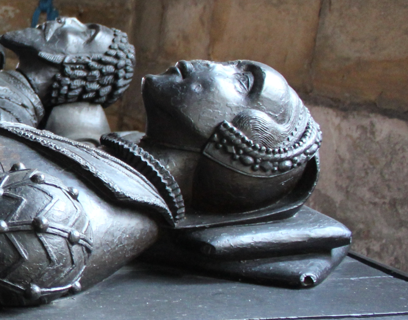 1564 - Neville Oak Tomb