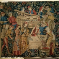 1500 (approx) - Tapestry of the harvest: grape pressing - Cluny museum